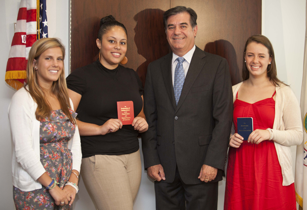 Students visit Mayor Pavia with Constitution Books